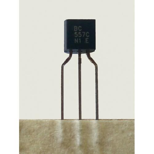 10x Transistor bipolar PNP BC557C